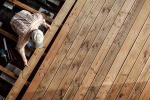Holzdeck bauen leicht gemacht