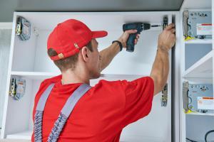 Küchenschränke reparieren - Fehlerquellen kennen und ausschalten