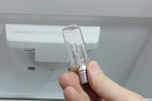 Kühlschrank-Lampe wechseln
