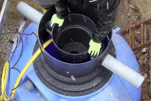 Regenwassertank einbauen - Kugeltank vorbereiten