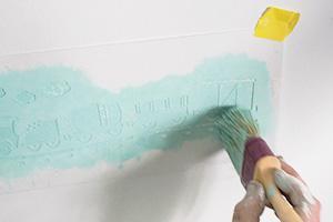 Wandschablone richtig ausmalen