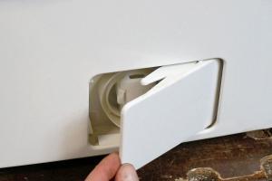 Die Waschmaschine läuft aus - Ursachen und Lösungen