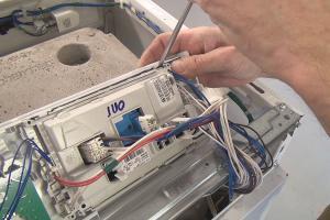 Bauknecht-Waschmaschine geht nicht mehr an