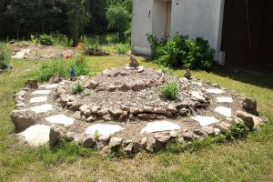 Der Wildkräuterhügel – Die neue Kräuterspirale