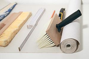 Tapezierwerkzeug - Was brauche ich zum Tapezieren?