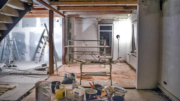 altbausanierung wann ist mit dem selbermachen schluss in bauen wohnen sicherheit. Black Bedroom Furniture Sets. Home Design Ideas