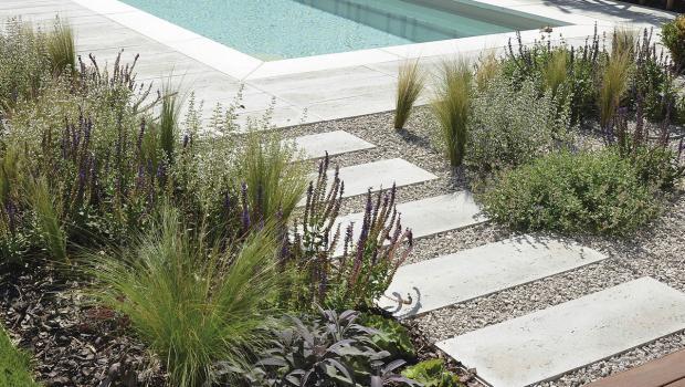 Clever kombiniert gestalten mit betonsteinen in bauen - Garten bodenbelag ...
