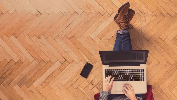 Online Geklebte Bodenbelage Im Fokus In Bauen Wohnen Ratgeber