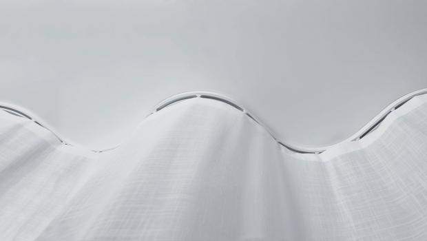 Mit Dem Innovativen Vorhangschienen System Snake Wave Bringt Silent Gliss Neuen Schwung In Inneneinrichtung Dabei Ist Der Name Programm