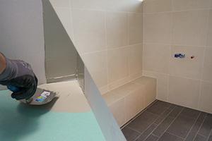 dusche abdichten die verbund abdichtung in der dusche anleitung. Black Bedroom Furniture Sets. Home Design Ideas