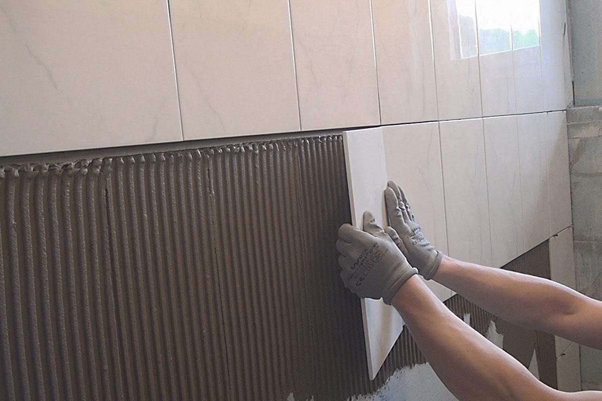 Fußboden über Fliesen Legen ~ Fliesen legen eine wand halbhoch verfliesen anleitung diybook at