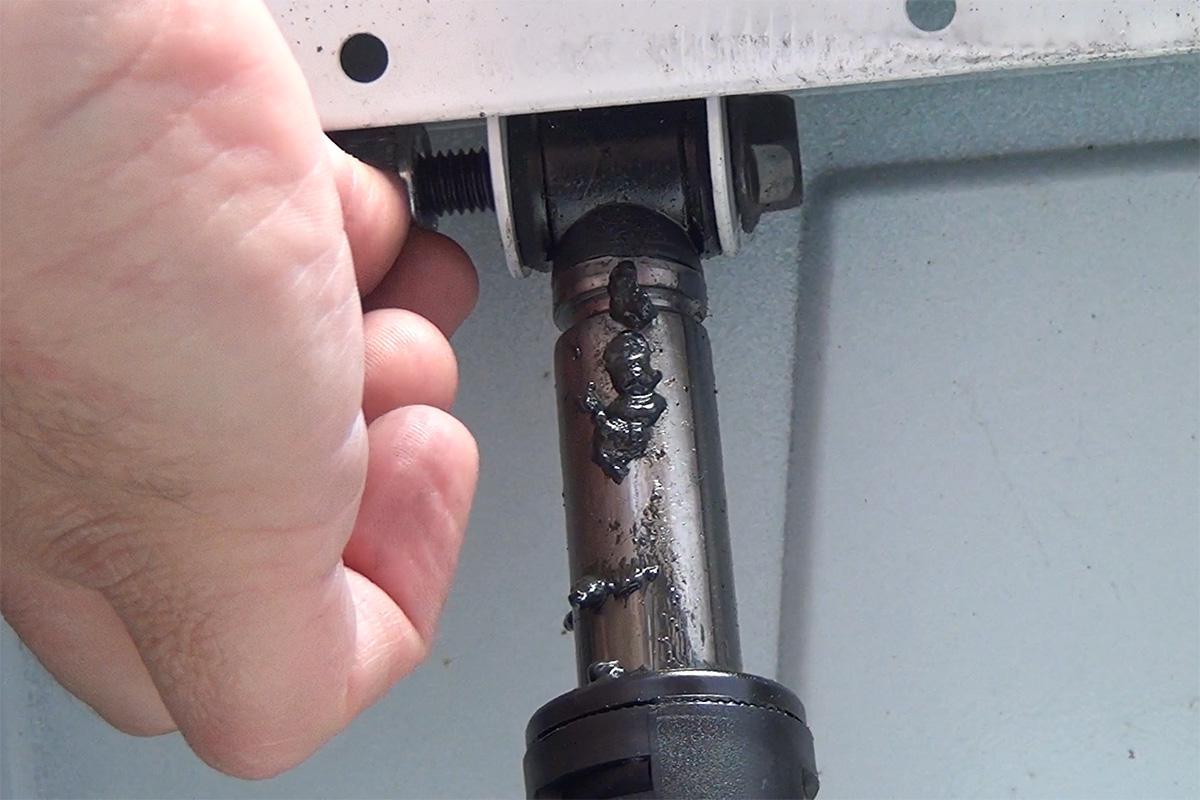 Gorenje Waschmaschine: Stoßdämpfer wechseln - Anleitung @ diybook.at