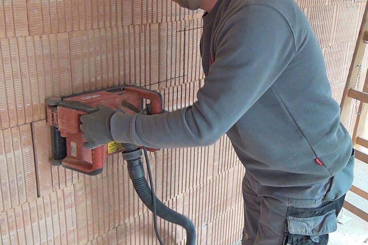 Elektroinstallation: Wand schlitzen - Wie tief darfs denn sein ...